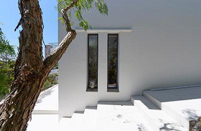 Petites fenêtres en aluminium