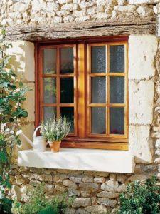 Fenêtre en bois carre deux vantaux